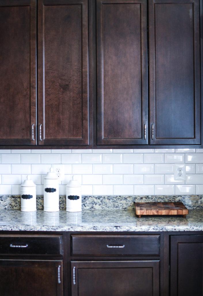 A Fresh White Kitchen Backsplash Diy Home Decor Lace